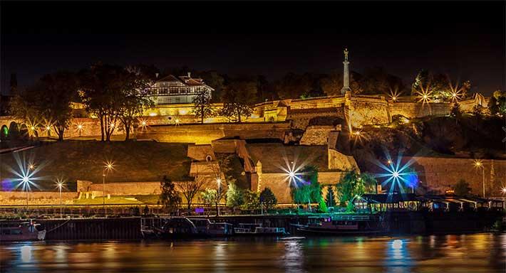 [Resim: belgrad-kalesi-gece.jpg]